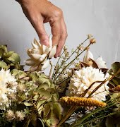 How to create an eco-friendly winter flower arrangement (that doesn't look dead)