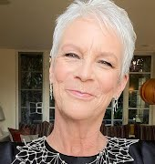 Jamie Lee Curtis shows every parent how to handle their child transitioning